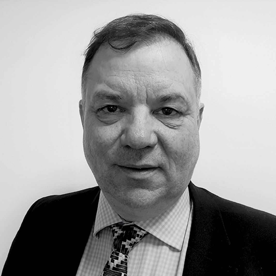 Ian Lumsden, MD